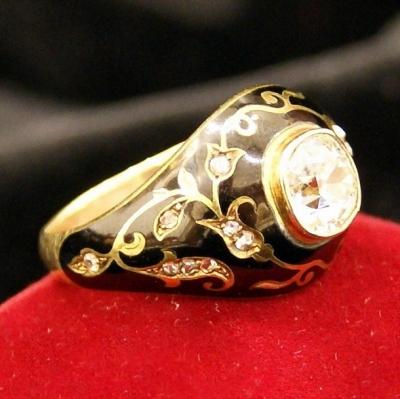НЕТ В НАЛИЧИИ - лот №J000173 Кольцо с бриллиантом и эмалью