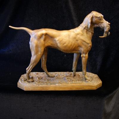 лот №B000190 Фигура собаки