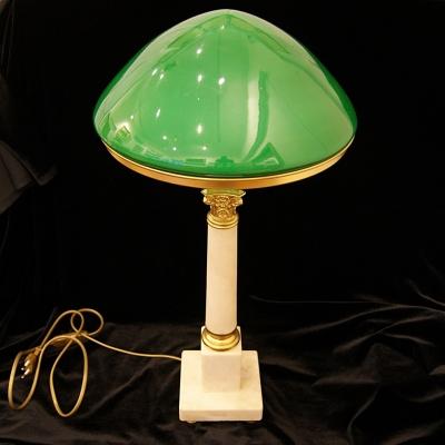 лот №L000165 Лампа настольная