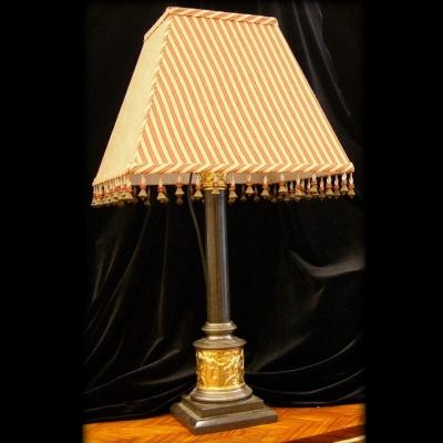 лот №L000133 Лампа настольная