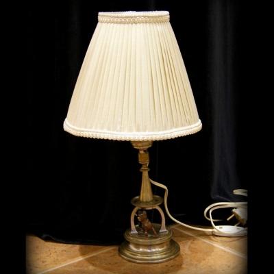 лот №L000132 Лампа настольная