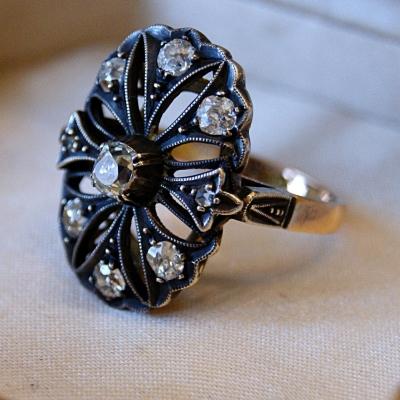 лот №J000418 Кольцо с бриллиантами