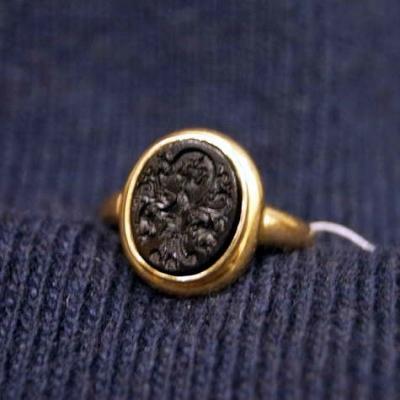 НЕТ В НАЛИЧИИ - лот №J000187 Кольцо с геммой